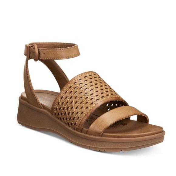 623e4f5747e7 BareTraps Shoes - Bare Traps Rockwell Wedge Sandals